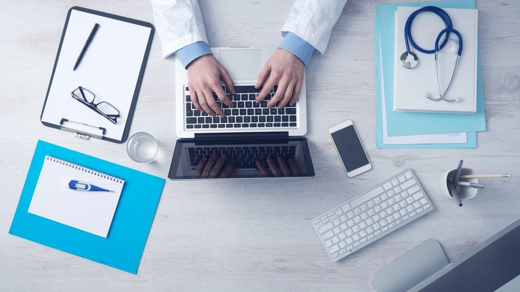 Jak uzyskać odszkodowanie za błąd lekarski